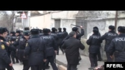 Azerbaijan -- devout Muslims clash with the police, Baku, 13Feb2010