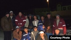 """Жаңаөзендегі """"Бұрғылау"""" кәсіпорнының жұмысшылары аштық акциясын өткізуде.(сурет түнде түсірілген) Маңғыстау облысы 23 наурыз, 2009 жыл."""