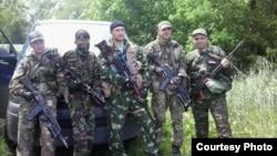 Армениялық ерікті сепаратистік жасақпен бірге. Донецк, 3 маусым 2014 жыл.