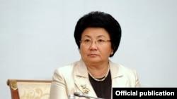 Роза Отунбаева Кыргызстандын тарыхындагы алгачкы аял президент