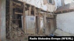 Ромите во Дебар живеат во многу лоши услови.
