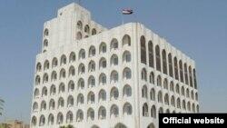 وزارت خارجه عراق تأکید کرده است موضوع کتک خوردن این شهروند عراقی را «با جدیت تمام» پیگیری میکند