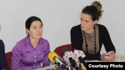 Весна Матевска од невладината организација ХЕРА и Елена Димушевска од Националната мрежа против насилство врз жените и семејно насилство.