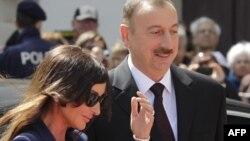 Әзербайжан президенті Ильхам Әлиев пен әйелі Мехрибан. Вена, 13 мамыр 2013 жыл.