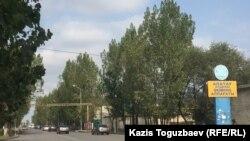 Улица в Алатауском районе Алматы.