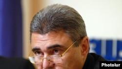 Armenia -- Health Minister Harutiun Kushkian at a news conference on November 10, 2009.