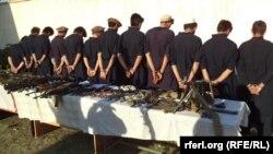 Хаккани террорлық тобының мүшелері деген күдікпен Ауғанстандағы Хост провинциясында ұсталғандар. 5 ақпан 2012 жыл. (Көрнекі сурет)