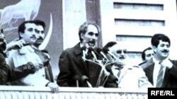 Покойный президент Азербайджана Абульфаз Эльчибей, площадь Свободы, Баку, 1992