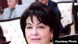 Депутат Рабият Асланова