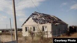 Дом, разрушенный во время боевых действий на Донбассе. Иллюстрационное фото
