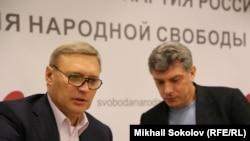 М.М. Касьянов и Б.Е. Немцов уже без В.А. Рыжкова