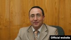 Алмас Турдумаматов.