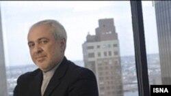 محمد جواد ظریف نماینده ایران در سازمان ملل است و در نیویورک زندگی می کند.