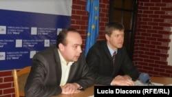 Cornel Ciurea (stg) şi Veaceslav Berbeca (IDIS Viitorul)