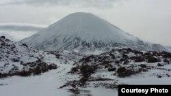 نمایی از قله پاریناکوتا؛ عکسها از مهری جعفری