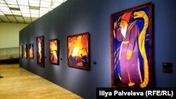 На выставке Наталии Гончаровой в Третьяковской галерее