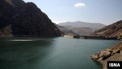 نمایی از سد امیرکبیر در کرج