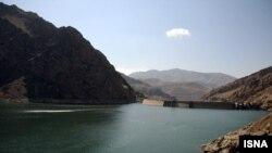 سد امیر کبیر که از ذخایر آب تهران است