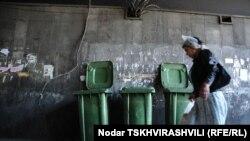 Согласно постановлению, плата за вывоз мусора зависит от количества используемой абонентами электроэнергии