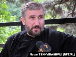 Грузия патриархиясының өкілі Давид Шарашенидзе. Тбилиси, 22 шілде 2010 жыл.