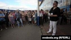 Анатоль Шумчанка на мітынгу прадпрымальнікаў 27 чэрвеня