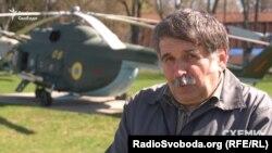 Завідувач відділом Музею авіації в Конотопі Микола Сосновський