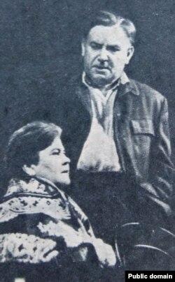 Лідзія Ржэцкая ў ролі Марфы Касьянаўны («У мяцеліцу»)