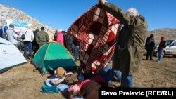 Nekoliko meštana na planini Sinjajevini protestuje skoro dva meseca (oktobar 2020)