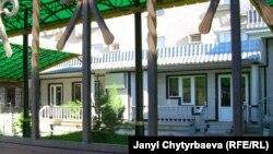 """Ош шаарындагы """"Носталжи"""" кафеси, 2010-жылдын октябры"""
