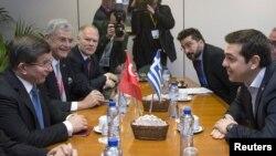Билатерална средба на премиерите на Грција и на Турција, Алексис Ципрас и Ахмет Давутоглу во Брисел