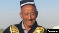 Ҳусан бобо фейсбукчи мухлислари кийғизган зарбоф чопонда.