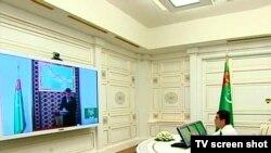 Президент Туркменистана проводит селекторное совещание с членами правительства.