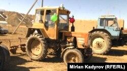Трактора, привезенные фермерами Нарынской области.