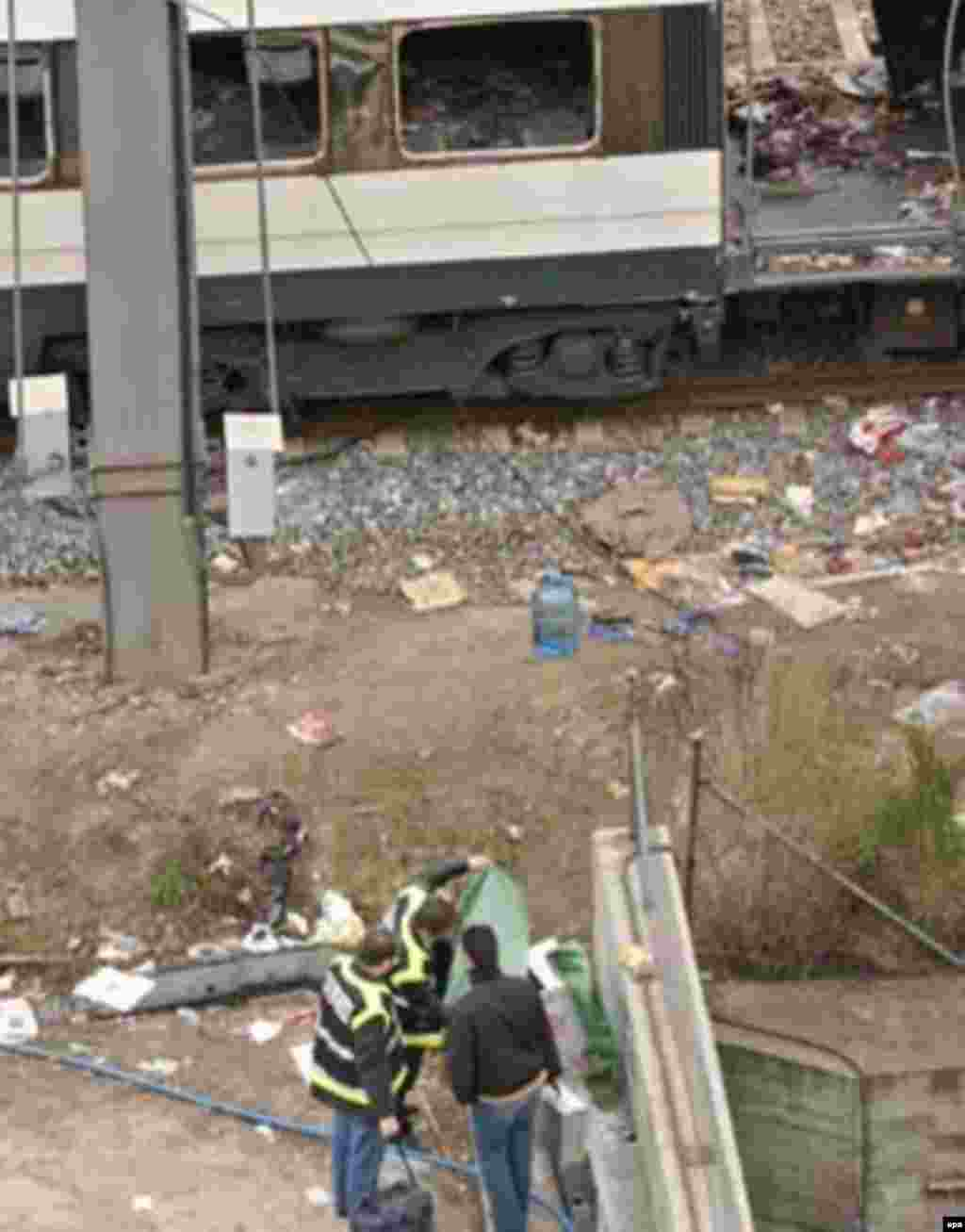 A passenger car that was ripped apart by the Madrid train bombings on March 11, 2004 (epa) - In the worst terrorist attack in Spanish history, more than 190 people were killed and some 1,700 injured when 10 bombs exploded in coordinated attacks against four crowded commuter trains. In general elections shortly afterward, Spaniards rejected their pro-U.S. government in favor of one that advocated pulling Spanish troops out of Iraq.