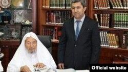 Муҳиддин Кабирӣ бо Шайх Қарзовӣ