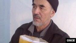 Azimjan Askarow, Bişkegiň türmeside, 2011.