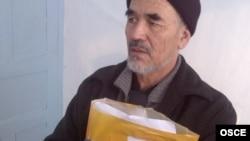 Гражданский активист и правозащитник Азимжан Аскаров в тюрьме в Бишкеке.