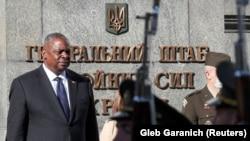 لوید آستین وزیر دفاع امریکا در کیف پایتخت اوکراین