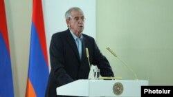 Еврейский ученый Яир Орон во время вручения ему премии президента Армении, Ереван, 26 мая 2014 г.