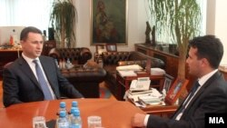 Архивска фотографија: Средба на тогашниот премиер Никола Груевски со лидерот на СДСМ Зоран Заев на 6 јуни 2013