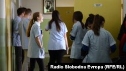 Kovačević: Niko ne govori o promjeni pedagoških standarda (Foto: Učenici u Srednjoj medicinskoj školi u Tuzli)