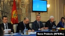 Milo Đukanović tokom sastanka sa novinarima, 16. jul 2013.
