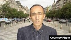 """Zamondosh"" портали асосчиси Ризохўжа Обидов, Прагада олинган сурат."