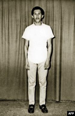 Уго Чавес перед поступлением в военную академию, 1971 год