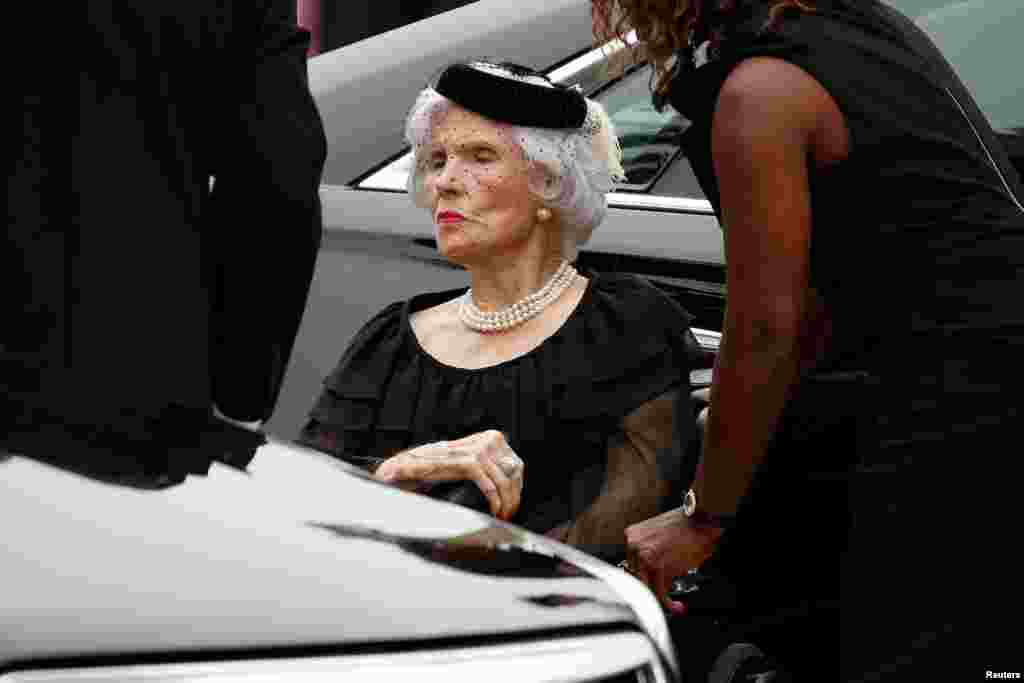 Мама Джона Маккейна, 106-річна Роберта Маккейн