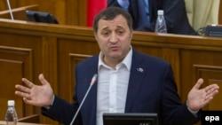 Fostul premier al Moldovei într-o ședință a Parlamentului de la Chișinău, octombrie 2015. (epa/Dumitru Doru)