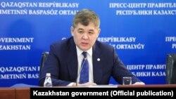 Kazakhstan - Healt minister Elzhan Birtanov