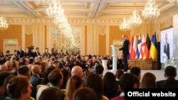 Виступ Арсенія Яценюка на Безпековому Форумі у Києві, 10 квітня 2014 року