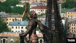 Памятник Петру I работы Церетели