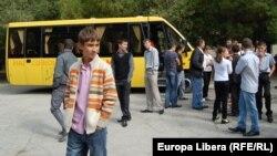 Cu autobuzul nou-nouţ, de la Dămăşcani, la Costesti, r-ul Râşcani. 13 septembrie 2011